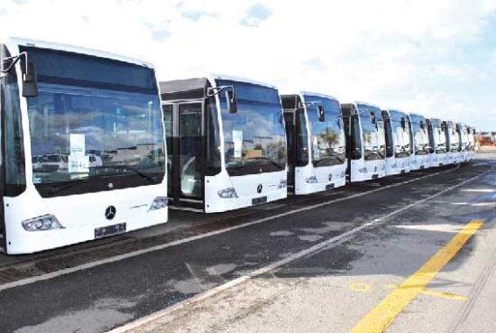 تسليم 370 شاحنة عربة «مرسيدس بنز» متعددة المهام